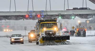 снежные бури в США