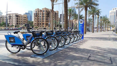 Власти ОАЭ намерены пересадить жителей на велосипеды