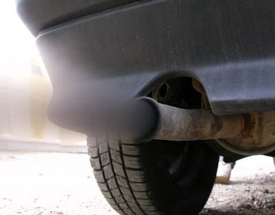 В России чиновники намерены ввести налог на выделение CO2 автомобилем
