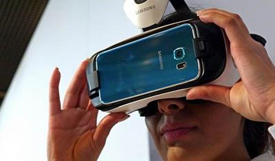 Виртуальные очки для любителей смотреть видео на смартфоне