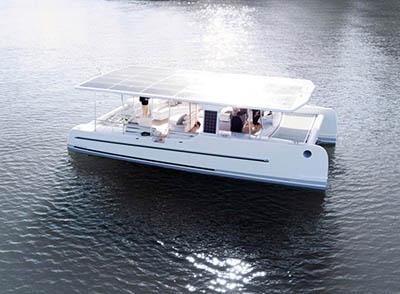 Яхта SoelCat 12 – экологическое плавсредство, работающее на солнечных батареях