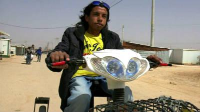 Беженец из Сирии создал электровелосипед для инвалидов